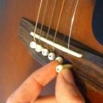 Hướng dẫn thay dây đàn Acoustic Guitar