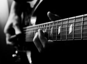 hoc dan guitar co ban
