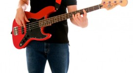 Tu the dung choi guitar bass