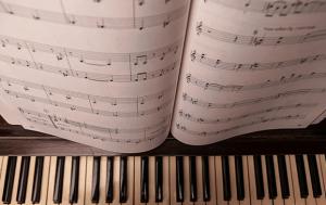 nhiều cách tự học đàn piano