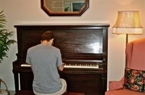 20 tuoi hoc dan piano duoc khong(1)