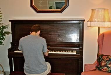 Sử dụng đàn piano cần lưu ý điều gì? Phần 2