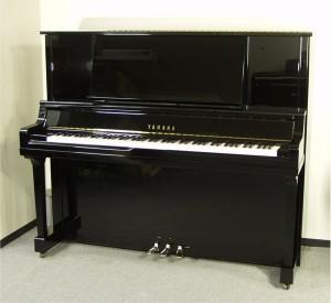 Dan-Piano-Yamaha-UX30BL