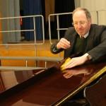 LƯU Ý KHI ĐÁNH BÓNG ĐÀN PIANO