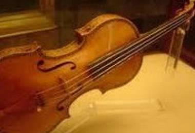 Stradivarius: Cây Đàn Violin Huyền Thoại