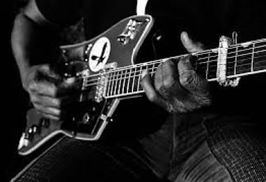 Tìm hợp âm Guitar cho bài hát dễ