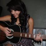 Sự khác biệt giữa Tự học Guitar và học tại trung tâm